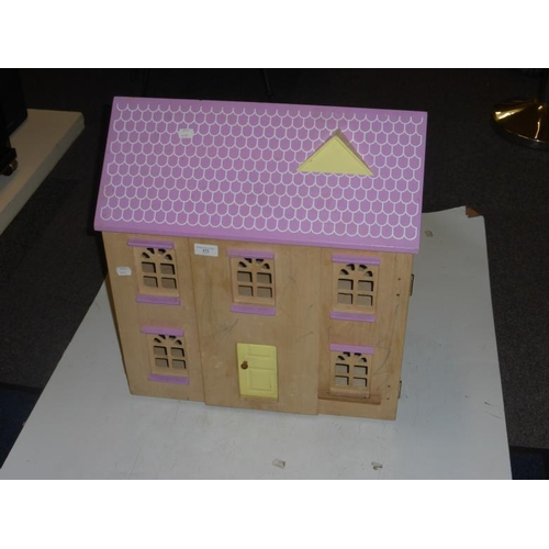 475 - Wooden dolls house...