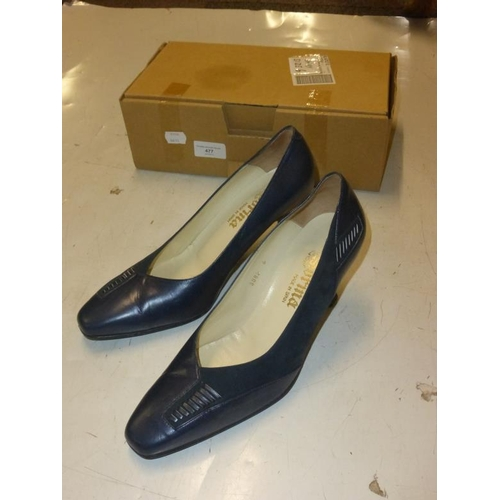477 - Pair of size 6 Sorina navy heels...