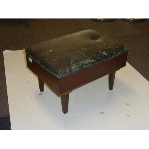 482 - Retro sewing stool/box complete with contents...