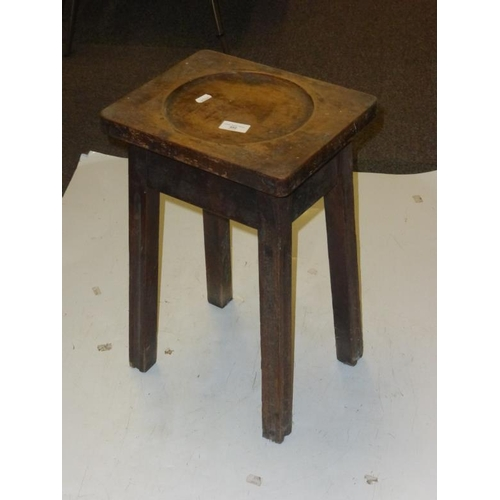 492 - Vintage wooden plant stand...