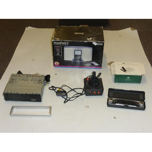 516 - Mixed lot including Gear4, Ipod dock, car stereo, Atari and others...