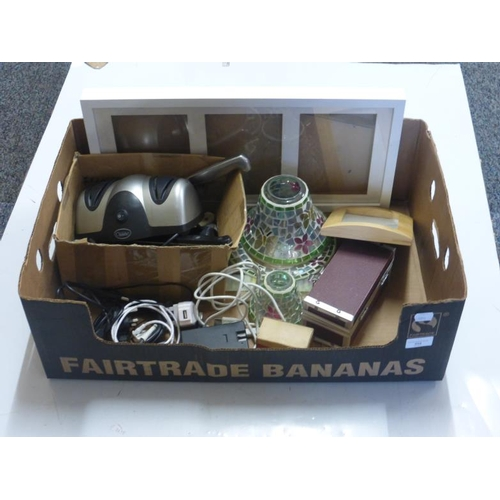 554 - Mixed lot includes knife sharpener, Hookah pipe, Yankee candle holder and other...