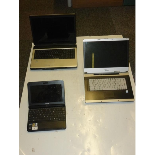 559 - Collection of two Laptops and One Notebook including Toshiba and Siemens (A/F)...