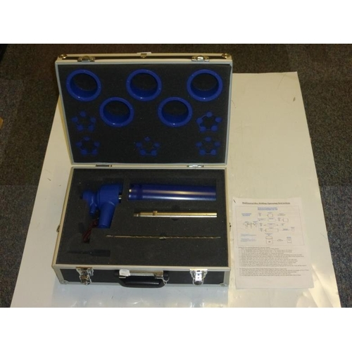 575 - Dura Diamond Wet and Dry Vacuum drill application set complete with case...