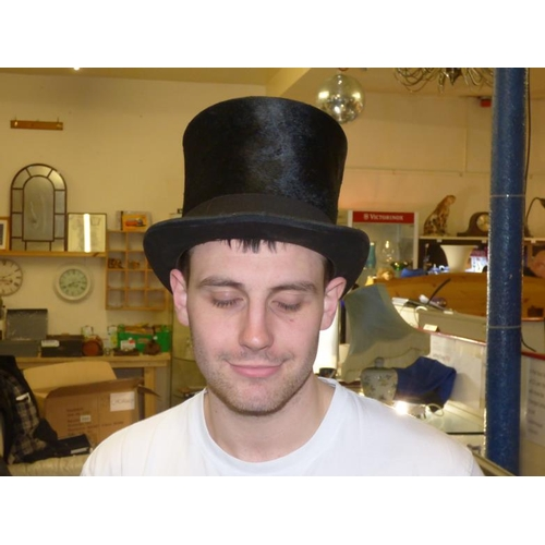 77 - A PELLET Manchester gentlemans vintage top hat...
