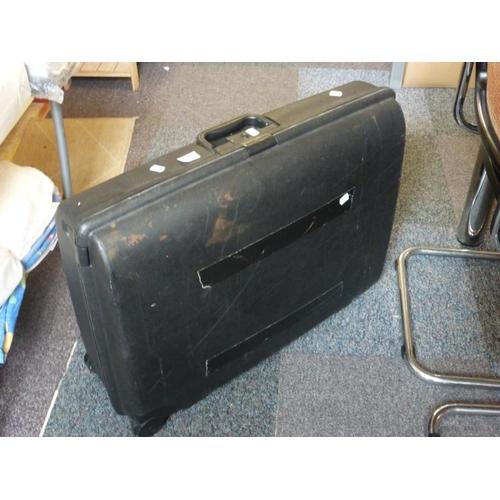 615 - Suitcase...