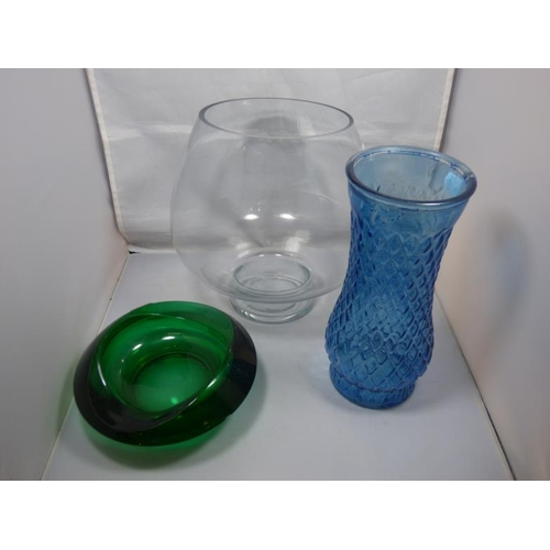 88 - Collection of glass items to include Vases...