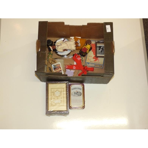 193 - Vintage mixed lot  including picture frames...