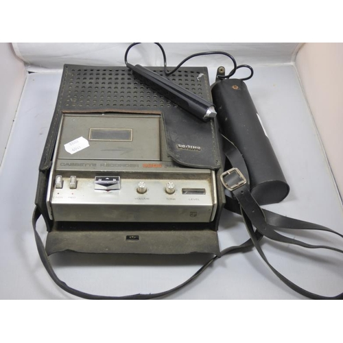 223 - Vintage Phillips Cassette Recorder 2204 Automatic complete with Microphone...