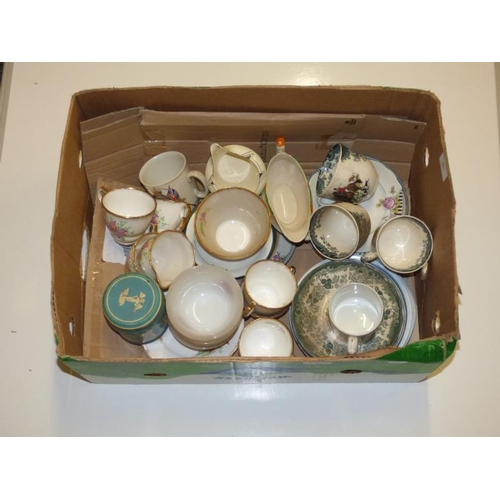 249 - Selection of vintage crockery...