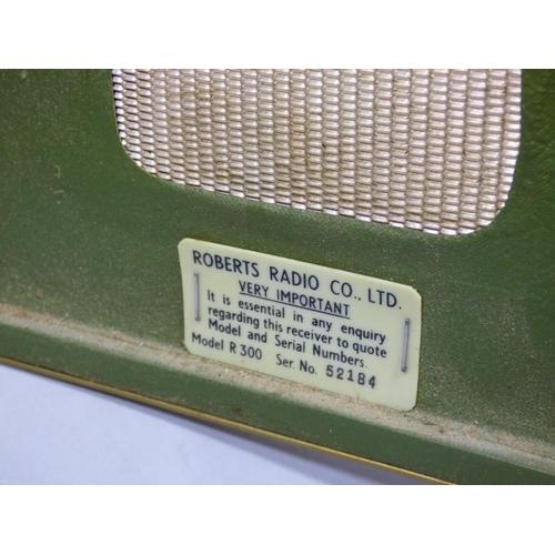 277 - Roberts R300 Vintage 60s Transistor Radio...