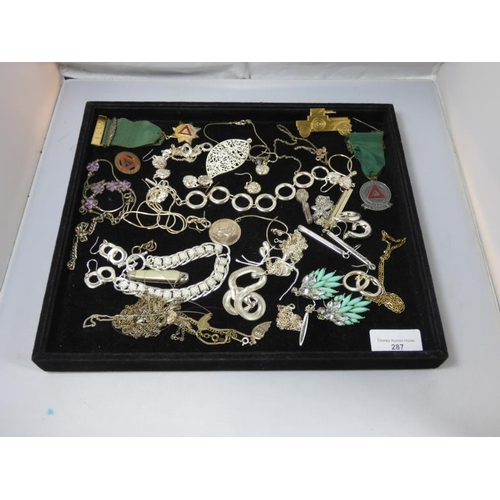 287 - Selection of jewellery including silver and gold...