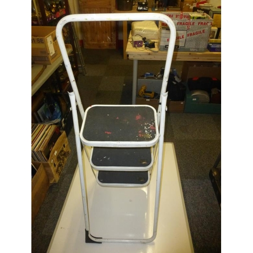 452 - Metal Step Ladder with rubberised steps...