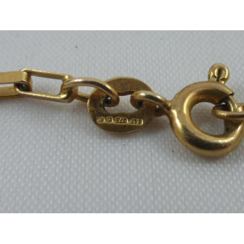 5 - 9 Carat Gold Bracelet in vintage ring box