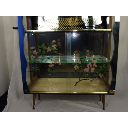 19 - Vintage Display Cabinet with mirrored Sides (41