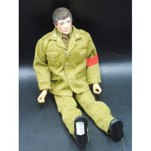18 - Vintage 1973 Action Man MP Military Police Soldier Gripping Hands Fuzzy Hair...