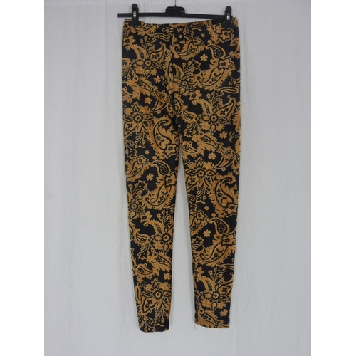 5 - Womens Floral Brown Black Leggings Size L/XL...