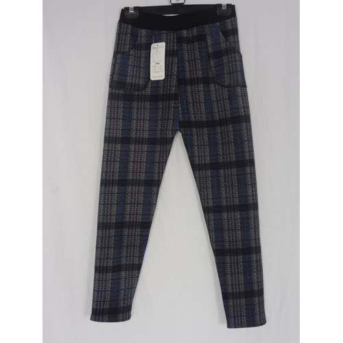8 - Boyannvku Womens Plaid Pants size 26''...