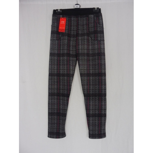 11 - Boyannvku Womens Plaid Pants size 28''...