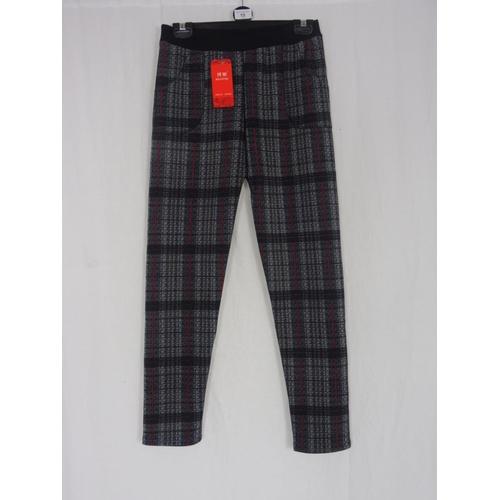 12 - Boyannvku Womens Plaid Pants size 28''...
