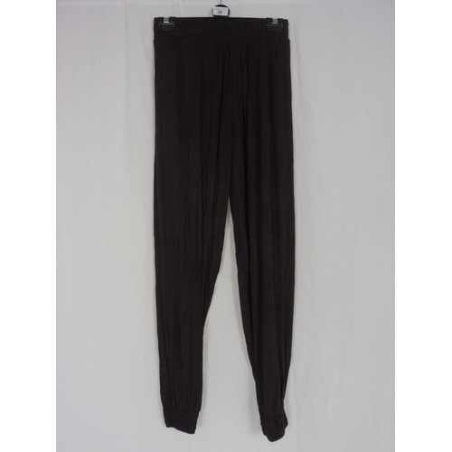 21 - Womens Brown Baggy Sweatpants size 28''...