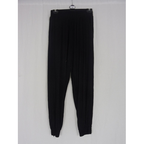23 - Womens Brown Baggy Sweatpants size 26''...