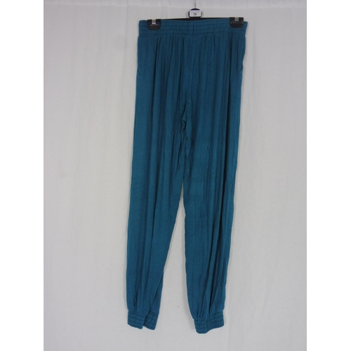 30 - Womens Turquoise Baggy Sweatpants size 28''...
