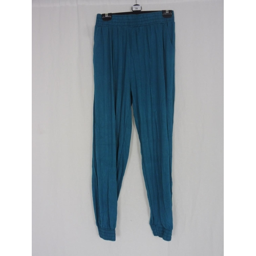 31 - Womens Turquoise Baggy Sweatpants size 26''...