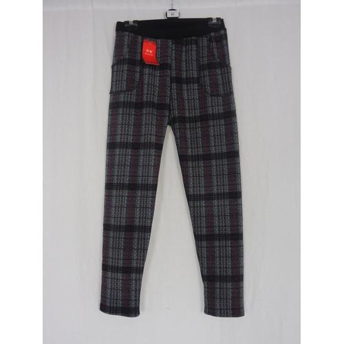33 - Boyannvku Womens Plaid Pants Size 26''...