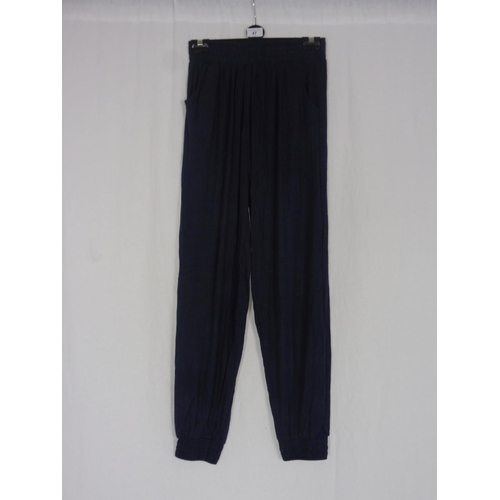 39 - Womens Navy Blue Baggy Sweatpants size 26''...