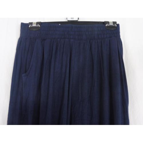 40 - Womens Navy Blue Baggy Sweatpants size 26''...