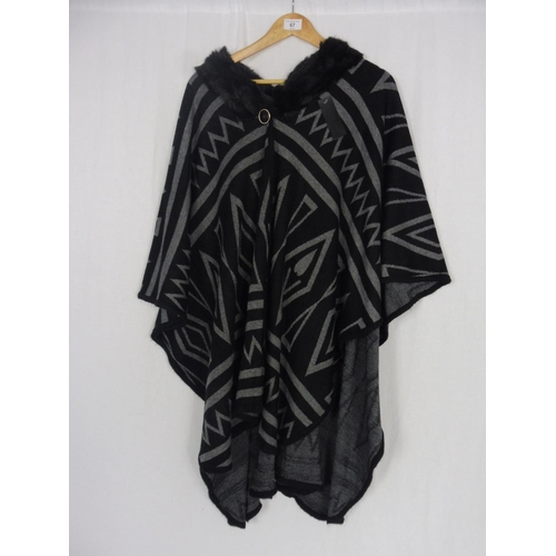 46 - Womens Black Pattern Coat Medium...