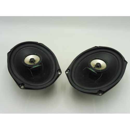 12 - Two Dual Cone Speakers Lanzar 7