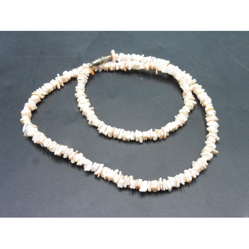 44 - Natural Coral Necklace with Screwed Clasp...