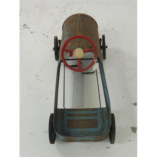 90 - Vintage  Children's 1940's Triang Tinplate Pedal Toy Car (19