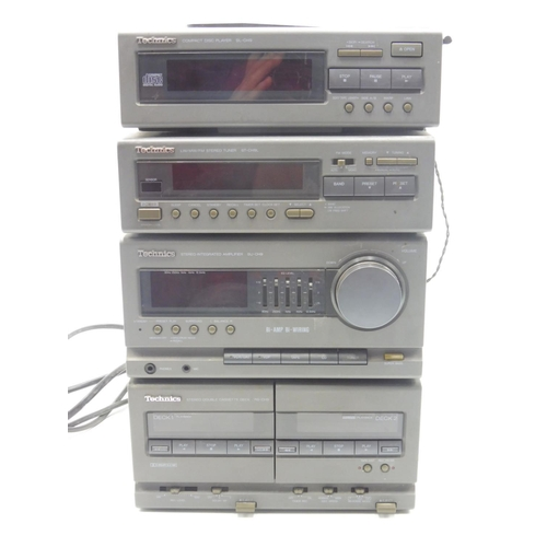 122 - Technics Compact disc player SL-CH9, Radio, Stereo integrated Amplifier SU-CH9 and Twin Tape Deck (P...