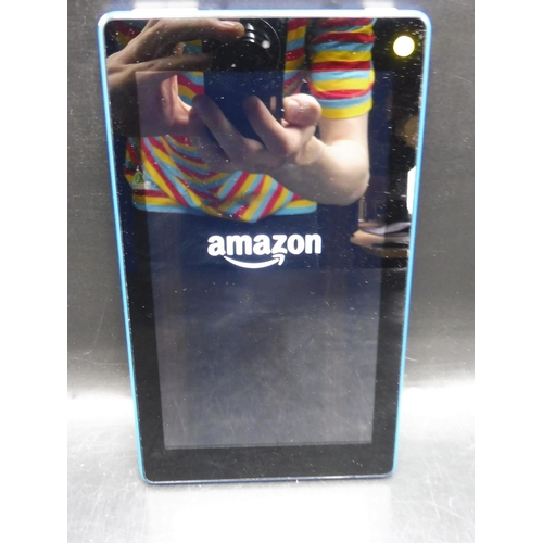 207 - Amazon Fire 8GB Tablet (Powered On and no power lead)...