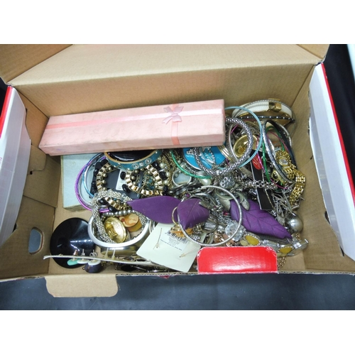 248 - Jewellery Box Complete with Contents and a Large Selection of Mixed Jewellery...