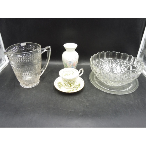 279 - Mixed lot of Glass and ceramic to include Aynsley and Royal Albert...