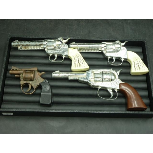 7 - Selection of 1950s Cap Gun's including Yong Yao, Loan Star Stamede and Pecos Kid...