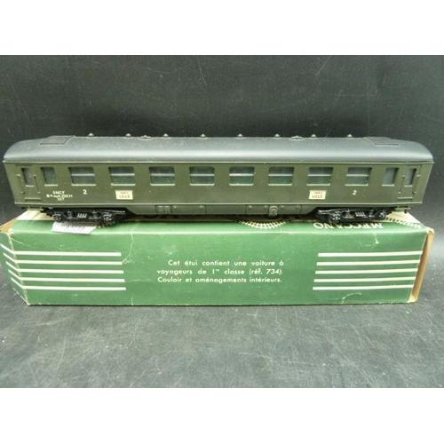 25 - Two boxed vintage Meccano Paris hornby AcHO Model Rail Cars no 734...