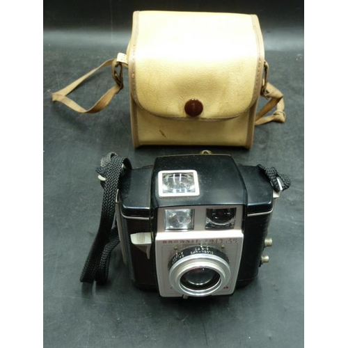 55 - Vintage Kodak Brownie Twin 20 Camera in Canvas Case...