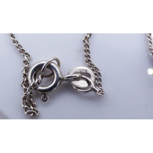 36 - Silver 925 Pendant on Chain complete with Presentation box...
