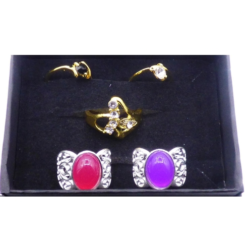 74 - Selection of 5 Plated Rings in presentation box...