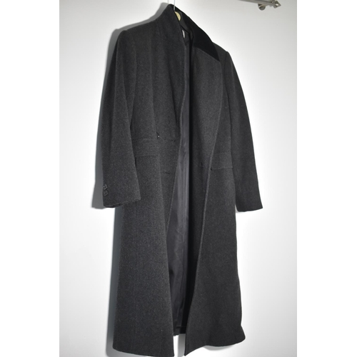 237 - Mackintosh Pure Wool Crombie Coat seems to be a Size 36