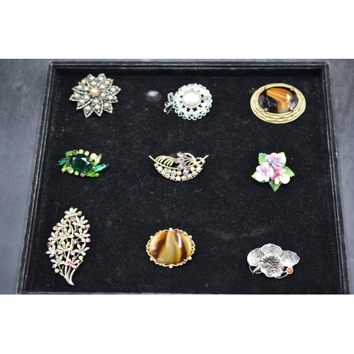 43 - Mixed Selection of Vintage Brooches...