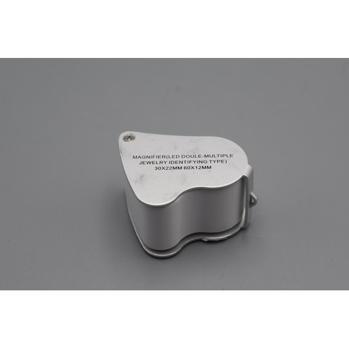 48 - Magnifier (LED Doule -Multiple Jewelry Loupe) 30x 22mm  60x 12 mm...