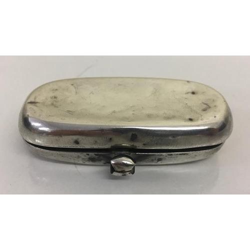 727 - A Sterling Silver Sovereign & Half-Sovereign double Coin Holder. Chester 1913. E J Trevitt & Sons.