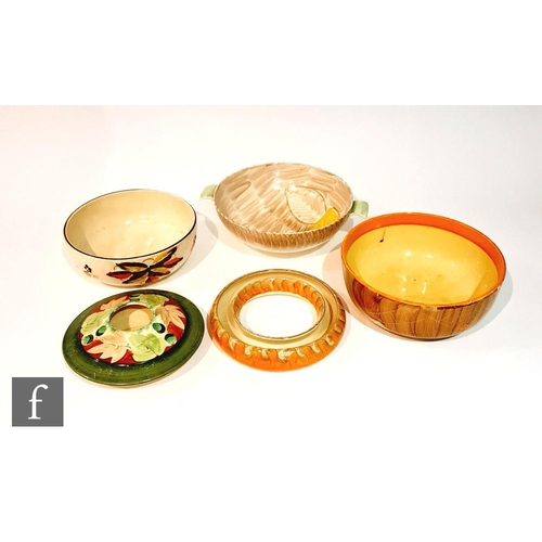 18 - Five pieces of assorted 1930s Art Deco Myott comprising a twin handled bowl in pattern 2684, a fruit...