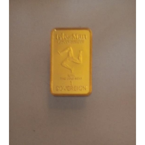 12 - A 24CT GOLD 'WORLD'S FIRST GOLD BAR SOVEREIGN' PROOF COIN, DATED 1999, ISLE OF MAN DESIGN  In a prot...